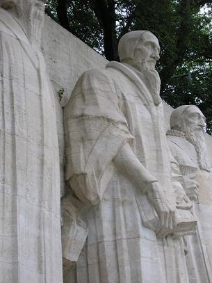Calvin-Statue